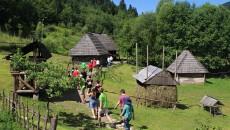 Skanzen v Koločavě – typická vesnická stavení